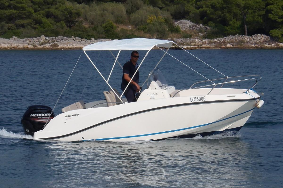 Gliser Commander 555 rent a boat Murter - gl